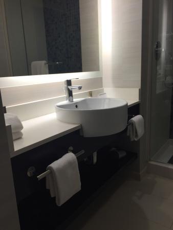 The Bathroom Was Beautiful Standing Shower With Rain Shower Head