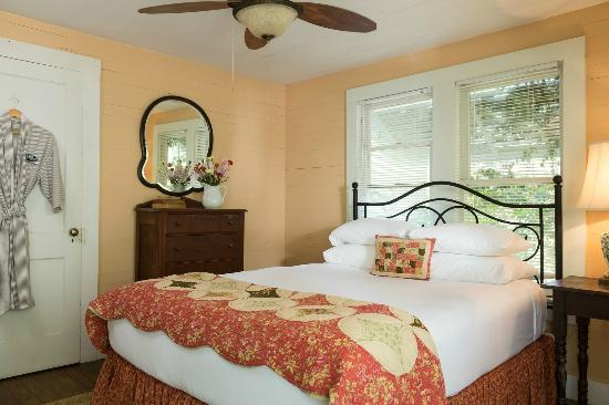 BlissWood Bed and Breakfast Ranch: Romantic Getaways in Texas