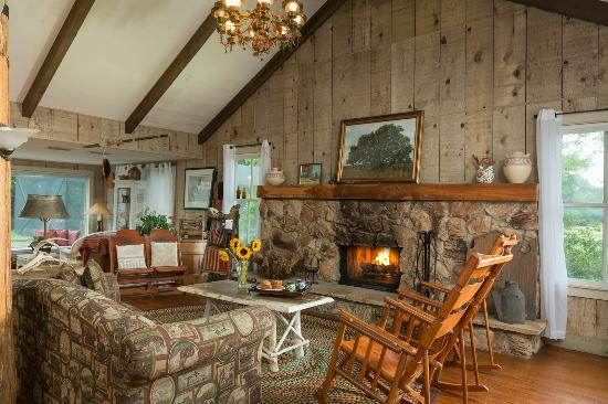 BlissWood Bed and Breakfast Ranch: Texas Vacation Rentals