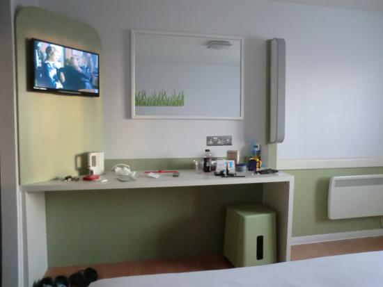 Ibis Budget Knutsford Tabley : bed room