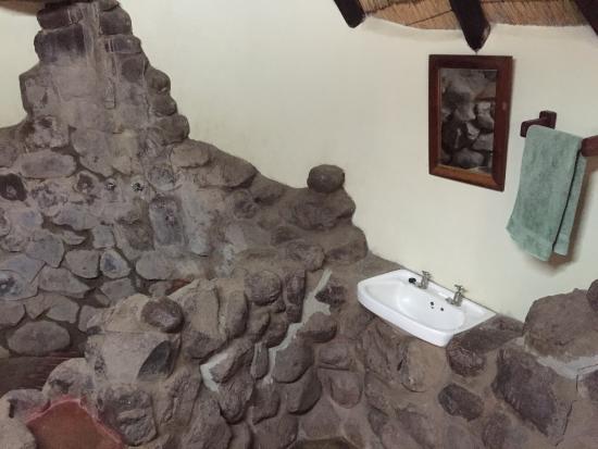 Bushfront Lodge: photo1.jpg