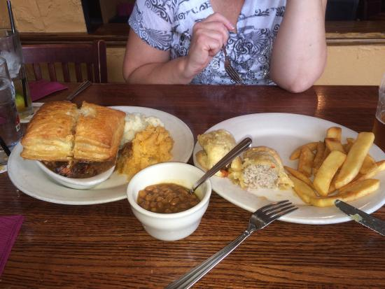 MacNiven's: Wonderful sausage roll and steak pie