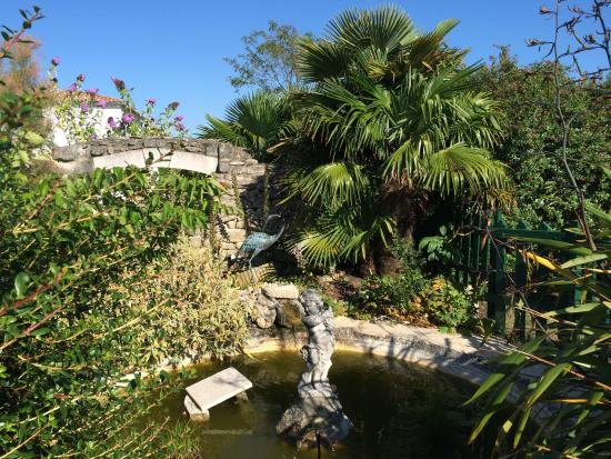 Le Clos Rhéa : Un magnifique jardin