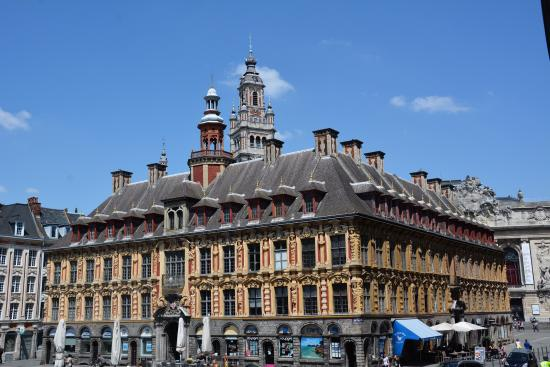 Vieille Bourse (Old Stock Exchange)