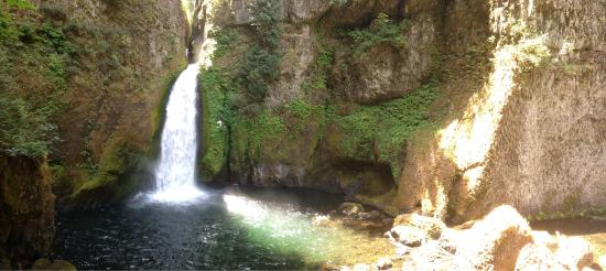 Lower Punchbowl Falls