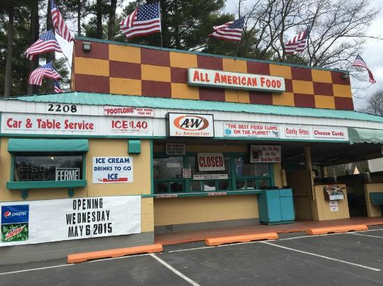 A & W Root Beer Drive-In: Making Sure Everything is Prepared