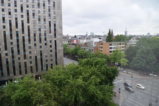 Lichtdurchflutetes zimmer picture of novotel suites for Suite hotel hamburg