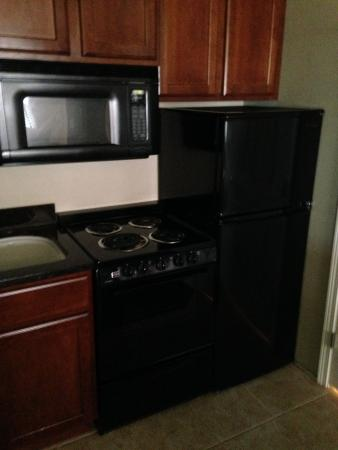 Stratford Suites : kitchen