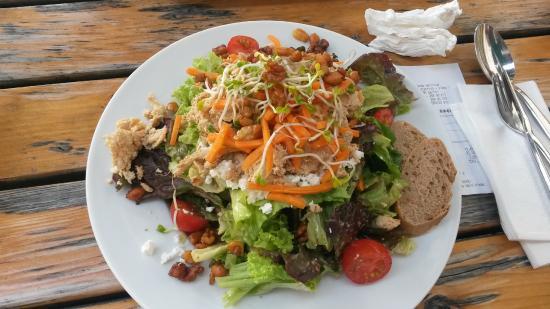 puten feta salat mit kandierten n ssen bild von weilands wellfood berlin tripadvisor. Black Bedroom Furniture Sets. Home Design Ideas