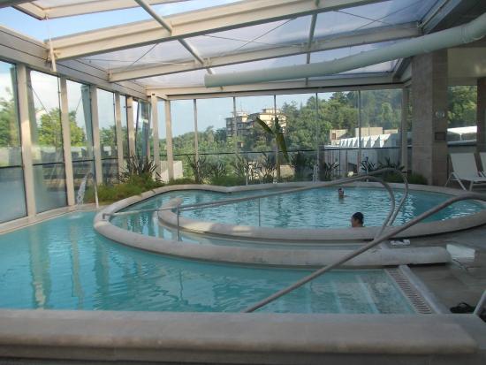 Piscina all 39 aperto picture of piscine termali theia - Piscine theia chianciano ...