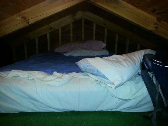 Clabough's Campground : Sleeping loft Cabin #13