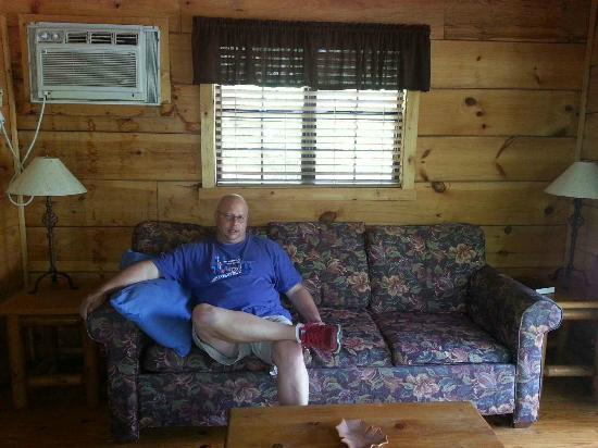 Clabough's Campground : Cabin 13