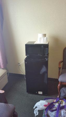 Red Roof Inn & Suites Indianapolis Airport: Don't Do It!!!