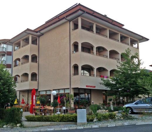 Juzhni Noshti Hotel