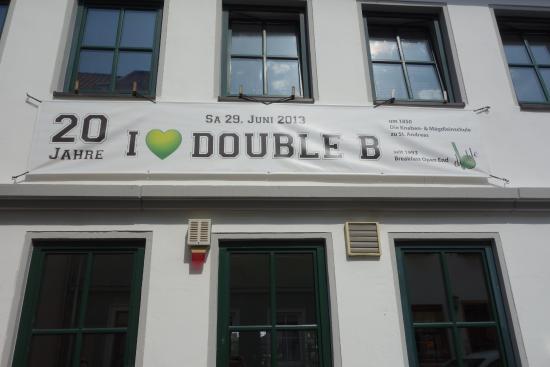 Double b: Außenansicht