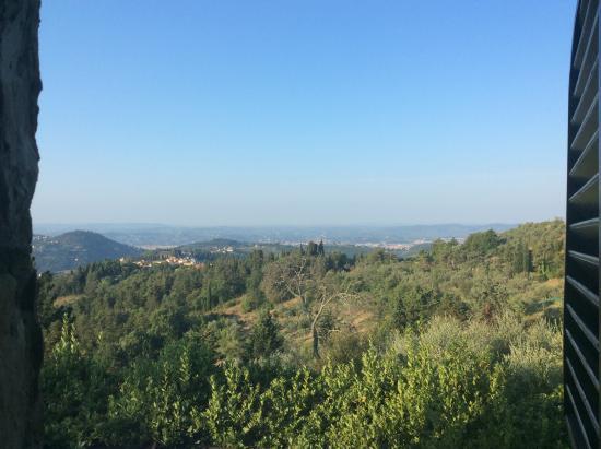 Montorsoli, İtalya: View from blue bedroom