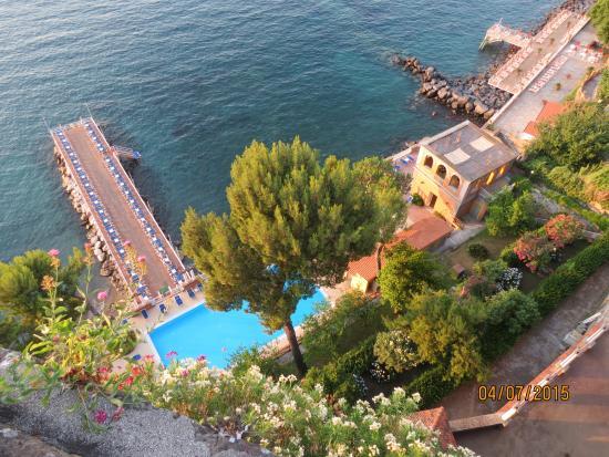 Europa Palace Grand Hotel: Pool and swim deck