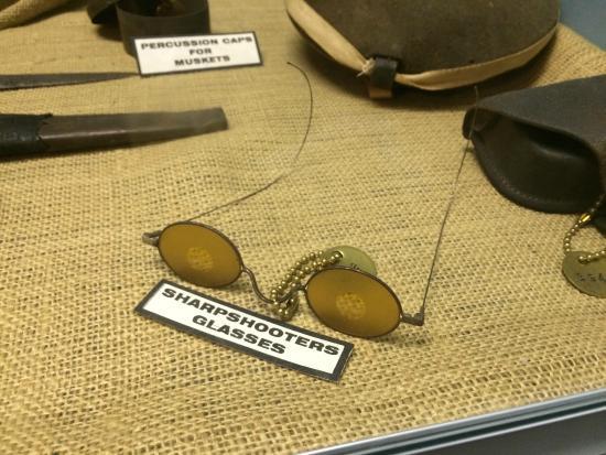 Old Bardstown Village Civil War Museum: Amazing! sharpshooter glasses!