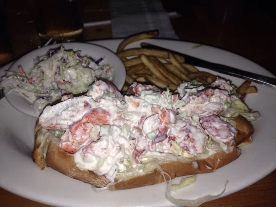 Monkey Farm: Wonderful lobster roll.