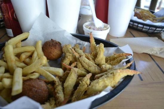 Riverside Cafe : Fried Blue Crab Claws, Fries, and hushpuppies