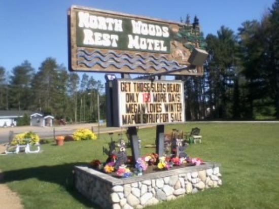 Saint Germain, WI: Front Northwoods Rest Motel Entrance Sign