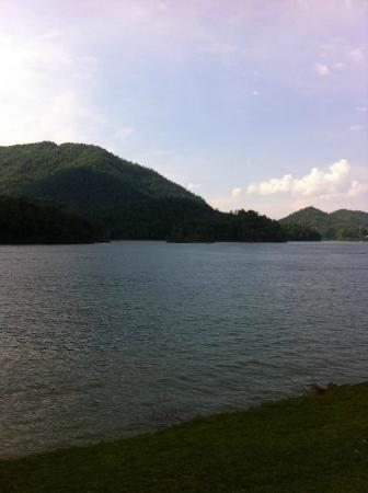 Butler, TN: Wautauga Lake 3