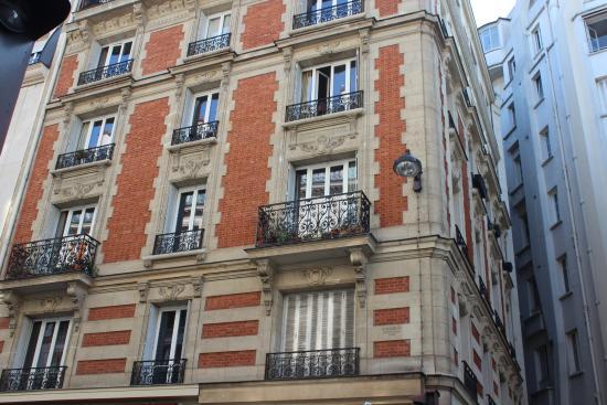 Hotel Rue Boulainvilliers Paris