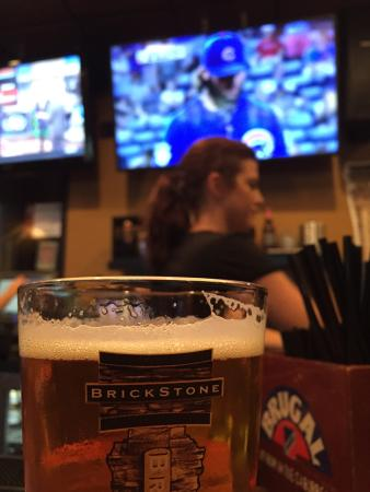 BrickStone Brewery: Great beer and place to watch the Cubs