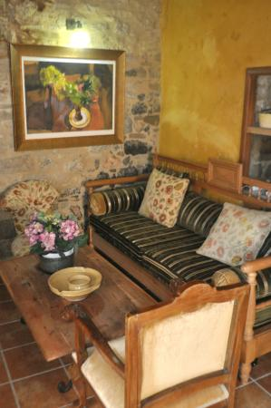 Dorovinis Country Houses: The couch in the living area.