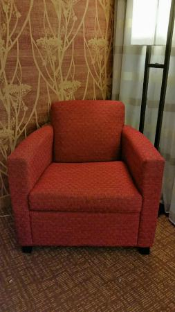 Courtyard St. Louis Creve Coeur: The chair I love!