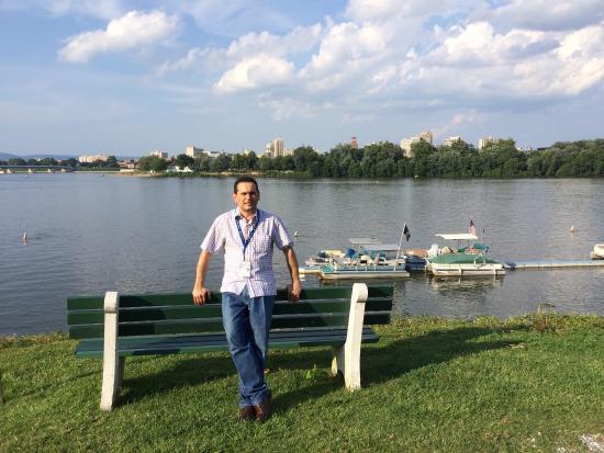 Riverfront Park: Front River