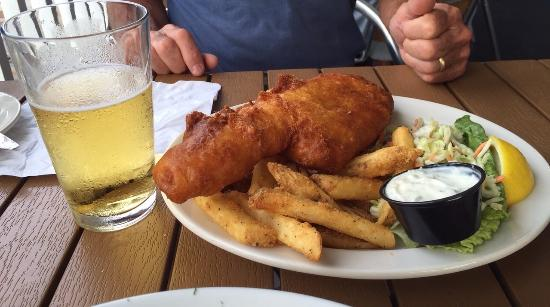 The Beachead Restaurant: Fish N Chips