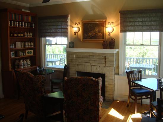 Nellie Littlefield Inn & Spa: Breakfast room