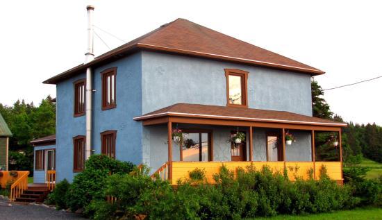 Gite la Maison Bleue - Sainte-Flavie