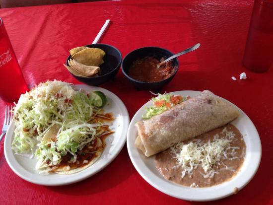 Nogales, AZ: Exquisito Mexican Food