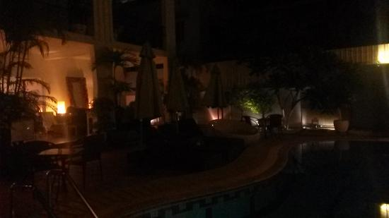 Le Safran La Suite: Pool during night time