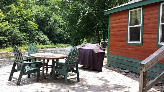 Cherokee / Great Smokies KOA: outside cabin
