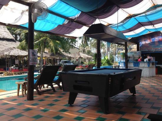 Majestic: Pool Table