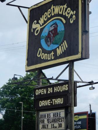 ‪Sweetwater's Donut Mill‬