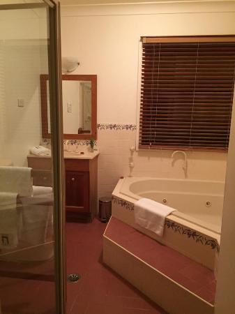 Silos Estate : Amazing Bathroom