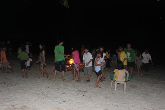 San Remigio, Филиппины: Bonefire