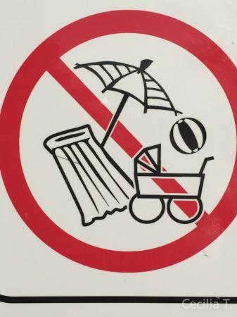 Sunceva Postelja: No strollers. No beach clothes.