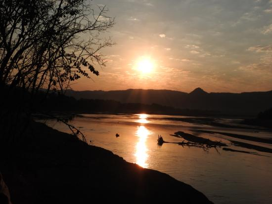 Chamilandu Bushcamp - The Bushcamp Company: Luangwa River