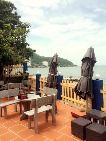 Haven Beach Lounge & Grill: photo0.jpg