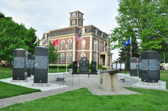 Joe's Pizza and Pasta: This old courthouse and memorial sits directly across the street from Joe's in Effingham.