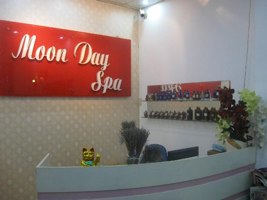 Moonday Spa