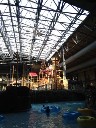 Silver Rapids Indoor Waterpark: lazy river with kids area up above