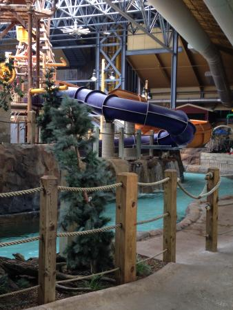 Silver Rapids Indoor Waterpark: lazy river with kids slides up above