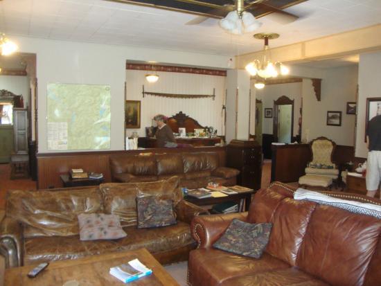 Westfir, Oregón: common room