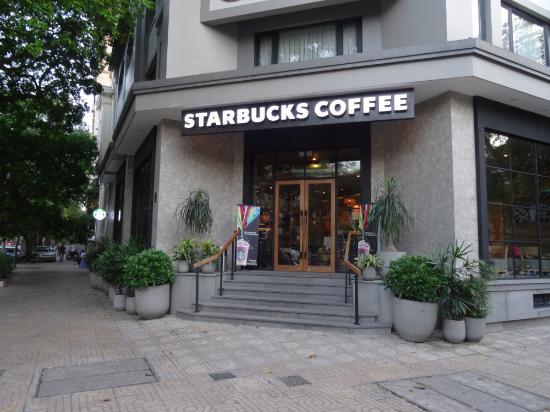 В Ханое закрылись кофейни Starbucks из-за проблем с чистой водой